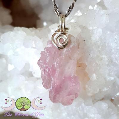 Pendentif Quartz rose cristallisé [RARE]