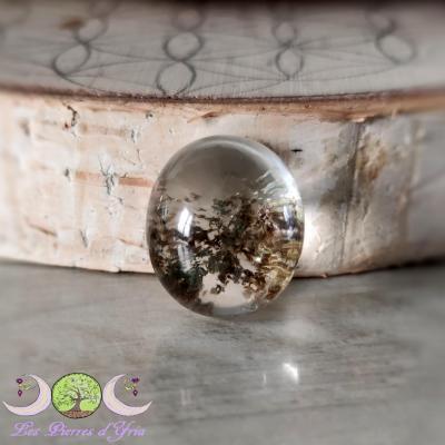 Cabochon quartz Lodolite