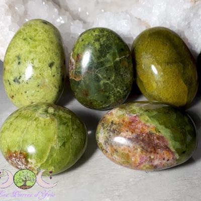 Opale verte [Madagascar] - Galet 65 à 85g